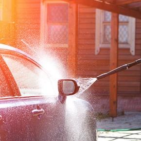 lavar coche con hidrolimpiadora
