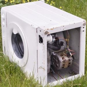 Asegúrate de que los viejos electrodomésticos que no pueden ser arreglados son reciclados no abandonados.