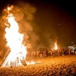 ¿Por qué se celebra las hogueras de San Juan?